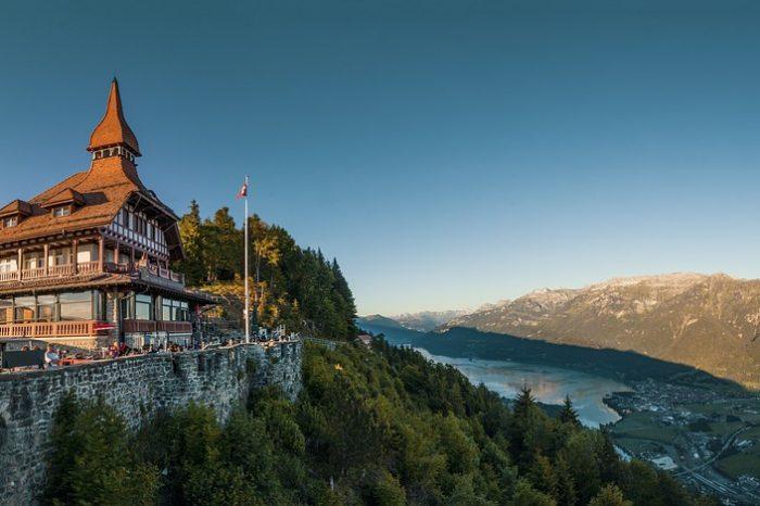 Švicarska – Alpska tura <h3 class='podnaslov' >Kombinirano putovanje autobusom i panoramskim vlakovima</h3>