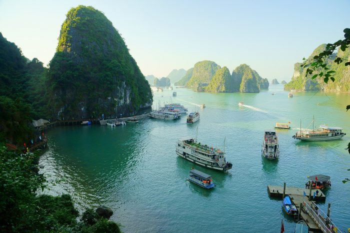Vijetnam <h3 class='podnaslov' >Krstarenje zaljevom Halong</h3>